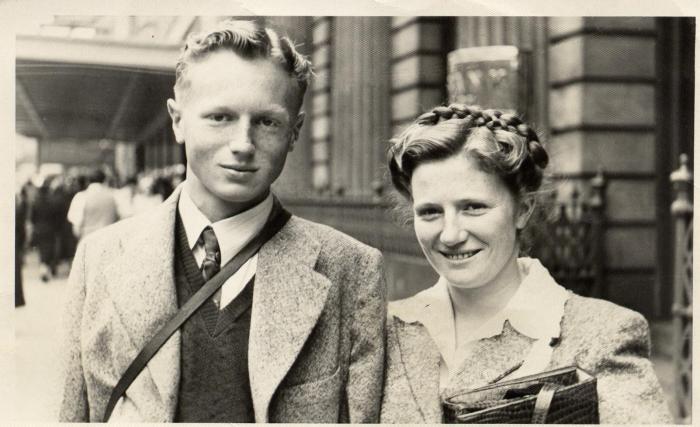 Mum and Dad 1952.jpg